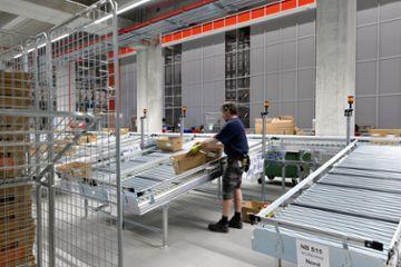 HEBER Fördertechnik zur Bereitstellung im Warenausgang